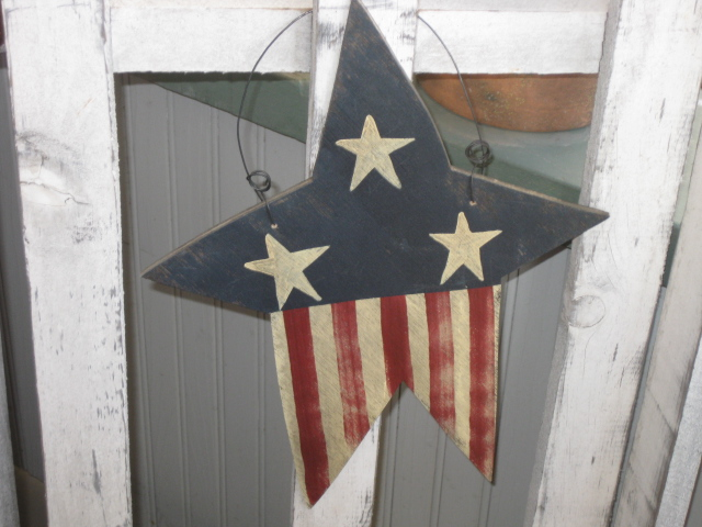 W - Star Painted as Flag-wood,primitive,star,flag,hand painted